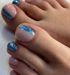 There are a lot of ideas for pedicure for New Year on . - Sneakers Shop - There are a lot of ideas for pedicure for New Year on . There are a lot of ideas for pedicure for New Year on . Gel Toe Nails, Gel Toes, Feet Nails, Toe Nail Art, Toenails, Toe Nail Designs, Acrylic Nail Designs, Acrylic Nails, Nails Design