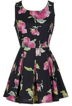 Floral print pleated dress100�0PolyesterLength: 32