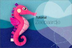 Kijk wat ik gevonden heb op Freubelweb.nl; een gratis patroon van NobodyElse om een mooi zeepaardje te maken van vilt https://www.freubelweb.nl/freubel-zelf/zelf-maken-met-vilt-zeepaardje/