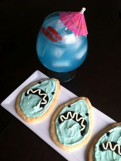 Shark Week Cookies and Cocktails from www.glamourmash.com