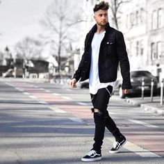 75 Stylish Men Casual Outfit to Wear Everyday - Beautifus Vans Old School Outfit, Old Skool Outfit, Vans Outfit Men, Outfit Jeans, Stylish Mens Outfits, Casual Outfits, Men Casual, Stylish Man, Stylish Dresses