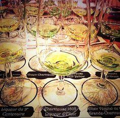 #chartreuse degustation table set !
