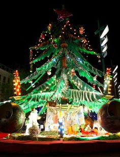sapin manège à Metz au marché de Noël