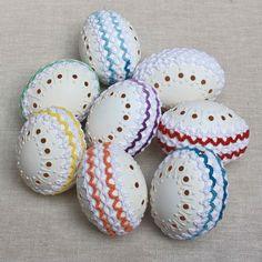 Kraslice s krajkou | Zobrazit plnou velikost fotografie Easter Eggs, Beautiful, Decor, Wood, Decoration, Decorating, Deco
