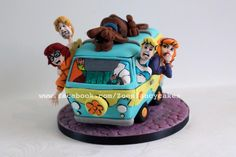 Scooby Doo and the gang (and tutorials) - Cake by Zoe's Fancy Cakes