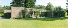Private home of the Danish architect Knud Holscher (b. Arne Jacobsen, Facade House, House Facades, Modern House Design, Landscape Design, Architecture Design, Brick, Sidewalk, Exterior