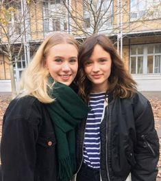 og Noora and French Noora aka Manon ❤️ love them both Series Movies, Movies And Tv Shows, Tv Series, Skam Cast, Noora Style, Pretty People, Beautiful People, Skam Aesthetic, Tv Times
