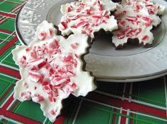 peppermint bark! one of my favorite christmas treats!