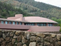 On this hillside in Maui, FLW design lives on.