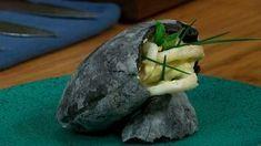 ¿Quieres hacer la receta de bocata de calamares? Conoce cómo hacer la receta de bocata de calamares en RTVE.es. Todos los trucos de los hermanos de Torres en la cocina paso a paso.