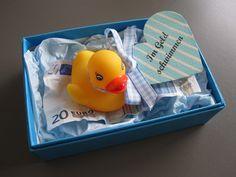 Wer hat nicht schon mal davon geträumt in Geld zu schwimmen? Schöne Idee, um Bargeld zu verschenken. Ideal zum Geburtstag, Jubiläum, Hochzeit...ein Geldgeschenk ist wirklich immer gern...