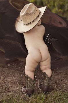 Texas baby future cowboy!!! Look at those chubby legs.... Oh to have that perfect skin again... Hi, this cowboy needs a home, Need you impressions for you new dreamhouse:: financing, floor plans, exterior cladding, roof, Windows, electrics, heating, doors, Hall, living / dining room, kitchen, laundry, bedroom, bathroom, workroom, wall - flooring, gardens and more. NEW-HOUSESOLUTIONS created beautyful pages for you.