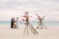 Sandbar elopement in Fiji | Wedding & Party Ideas | 100 Layer Cake