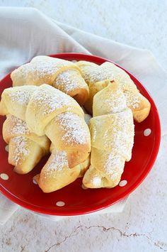 Citromos-túrós kiflik - dagasztás és kelesztés nélkül Bagel, Healthy Recipes, Bread, Food, Brot, Essen, Healthy Eating Recipes, Baking, Meals