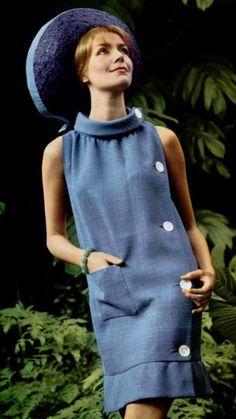1965 Pierre Cardin 60s blue shift dress white buttons hat #vintadefinita #oldhollywoodglam