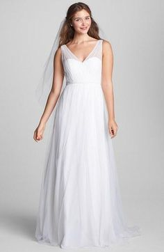 Sleeveless Plus Size Wedding Dresses with V neck line | www.dariuscordell.com/featured/plus-size-wedding-dresses-bridal-gowns/