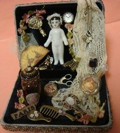 displaying antique china dolls - Google Search Old Dolls, Antique Dolls, Vintage Dolls, Frozen Dolls, Doll Display, China Dolls, Doll Costume, Little Doll, Doll Repaint