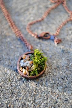 moss bed necklace