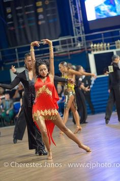 Valentina Ventrella e Giovanni Trentadue! #RossoLatino #Testimonial #danceshoes #passion