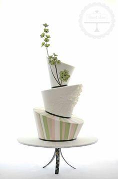 Unusual wedding cake