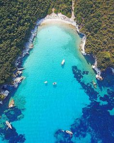 Greece Paxos Island - Travel Tips Greek Islands Map, Greek Islands Vacation, Greece Islands, Places To Travel, Places To See, Travel Destinations, Beautiful Islands, Beautiful Places, Paxos Island