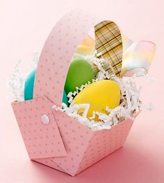 Turn your favorite patterened paper into a cute Easter basket! Download the pattern: http://www.bhg.com/holidays/easter/eggs/easter-baskets-and-bags/?socsrc=bhgpin020613DIYeasterbaskets=6