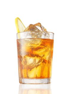Voli Palmer   • 1 ½ oz Voli Lyte   • 1 oz fresh lemon juice   • 3 oz fresh brewed iced tea   • ½ oz agave nectar   • Garnish: Lemon wedge   Build over ice in a highball and stir.     APPROX CALORIES: 105