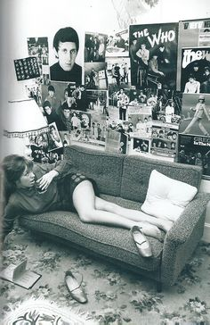 Mod Girl in her room in the Sixties Sixties Fashion, Mod Fashion, Fashion Tips, Youth Culture, Pop Culture, Lps, Beatles, Moda Retro, Mod Girl