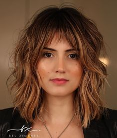 Hairstyles With Bangs Shoulder-Length Hairstyle With Shaggy Layers.Hairstyles With Bangs Shoulder-Length Hairstyle With Shaggy Layers Shaggy Bob Hairstyles, Medium Shag Haircuts, Long Bob Haircuts, Fringe Hairstyles, Straight Hairstyles, Hairstyles With Fringes, Haircut Medium, Wedding Hairstyles, Layered Haircuts