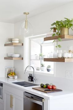 Shop my kitchen – Buy all the things for this bright modern kitchen / - Kitchen Design Ideas Kitchen Design Small, Rustic Modern Kitchen, Kitchen Remodel, Kitchen Decor, Interior Design Kitchen, Kitchen Remodel Small, Home Kitchens, Rustic Kitchen, Kitchen Renovation