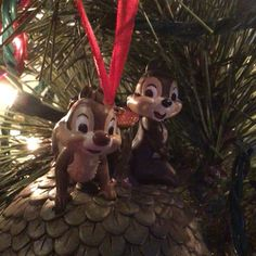 2 more days til #Christmas and #ChipNDale are hanging out in the #ChristmasTree getting everything ready for the big day #HappyHolidays #sketchbook #Disney #ornament #Chip #Dale #Chipmunks #Acorns #jinglebells #satinribbon #handpainted #sculptured #decoration #cartoon #characters #holidays #ChristmasEve #festive #childhood #family #friends #celebrations #love #memories #WaltDisney #holiday #music