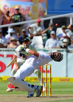 South Africa's Jacques Kallis takes evasive action to avoid a bouncer from New Zealand's Doug Bracewell during day one of the first Test match at Newlands Photograph: Alexander Joe/AFP/Getty Images