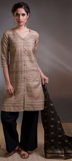 #gicha #silk #pants #front-open #kurta #subtle #elegant #women #fashion #Fabindia