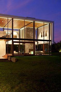 Squarely magic #modern #contemporary #glass #glasshouse