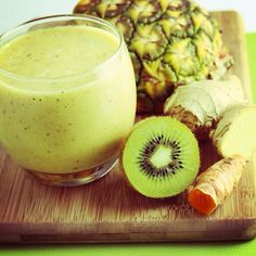Banish Back Pain Smoothie with anti-inflammatory pineapple, ginger and kiwi fruit.