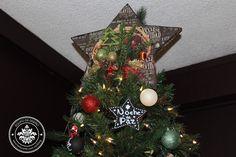He visto una estrella fugaz posarse sobre un árbol la he visto alumbrar  a toda la humanidad con dicha, esperanza y humildad ¡Feliz Navidad a todos!   #scrapbook #manualidades #crafting #texturarte Click para ver más...l