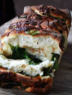 Spinach Feta Monkey Bread