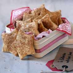 This Swiss Christmas Biscuits Recipe makes cinnamon sugar dusted biscuits that are perfect for children to make as Christmas gifts. Christmas Biscuits, Christmas Baking, Christmas Gifts, Christmas Goodies, Merry Christmas, Cookies Et Biscuits, Chip Cookies, Baking Biscuits, British Baking