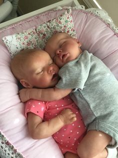 Help With Toddler Separation Anxiety Real Looking Baby Dolls, Life Like Baby Dolls, Life Like Babies, Real Baby Dolls, Realistic Baby Dolls, Baby Girl Dolls, Reborn Baby Dolls Twins, Reborn Babies For Sale, Reborn Toddler Girl