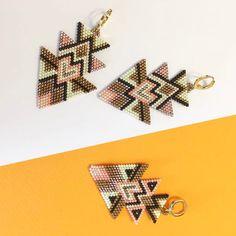 "74 mentions J'aime, 4 commentaires - Carmen & Julia Joyas Tejidas (@carmenyjulia) sur Instagram : ""Harleen Sahani #theartofmaking #sacred #bauhaus #crafts #statementearrings #weave #handmade…"""