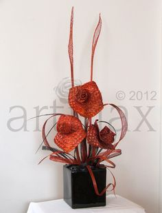 Artiflax Flax Flowers for the best Wedding Bouquets, Wedding Cake Toppers, Corporate Gifts. All hand made in New Zealand. Flax Flowers, Diy Flowers, Flower Decorations, Wedding Flowers, Ikebana Arrangements, Flower Arrangements, Flax Weaving, Maori Designs, Birthday Centerpieces