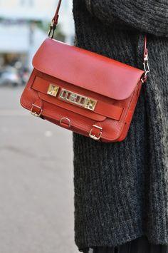 Les 5 nuances de gris   LovaLinda x Zara x Proenza Schouler PS11 Bag