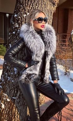 Women's Leather Pants Winter Fashion Outfit With Leather Jacket - - Women's Leather Pants Winter Fashion Outfit With Leather Jacket – Women's Leather Pants Winter Fashion Outfit With Leather Jacket – Leder Outfits, Leather Jacket Outfits, Leather Dresses, Fashion Mode, Fur Fashion, Leather Fashion, Womens Fashion, Fashion Quiz, Leather And Lace