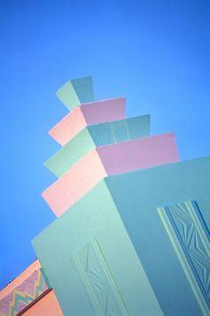 Art Deco, South Beach Miami, Pastel Cornerpiece
