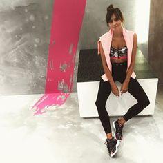 Trying the new sneakers from @reebokwomenes & @bershkacollection in a super fitness masterclass!  #myurbangym #bcn #bershka #reebok #me