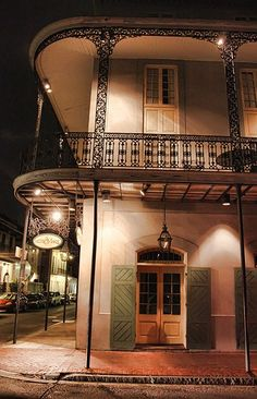 Hotel St Marie New Orleans.  Stayed there once.  Definitely going back again- right in the middle of everything. <3