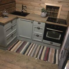 Kjøkken — Vidars Møbelsnekkeri Cabin, House, Appliances, Home, Wall, Kitchen, Wall Oven, Kitchen Appliances