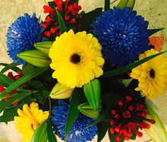 Adelaide crows flowers. For all the fans.  www.alyssiums.com