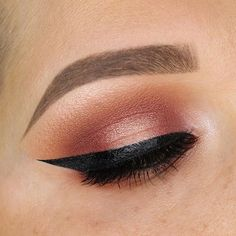 This look will be my next tutorial! I filmed it but wasn't a fan of the footage. I'll be refilming later tonight.  Product details:  @benefitcosmetics gimme brow in 3  @benefitcosmetics goof proof brow pencil in 3  @benefitcosmetics ka-BROW eyebrow cream-gel color in 3  @maccosmetics soft ochre paint pot  @anastasiabeverlyhills Modern Renaissance palette  @tartecosmetics so fine micro liner  @eyerisbeauty lashes in Liberty