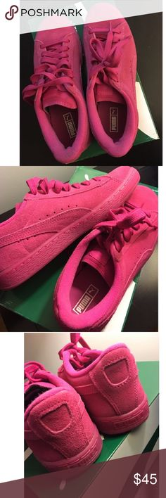 Puma sneakers Suede classic puma sneaker. Suede upper and manmade outer sole. Gently worn. In great condition. Puma Shoes Sneakers